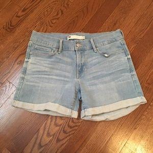 Levi's Midrise Jean Shorts Size 27